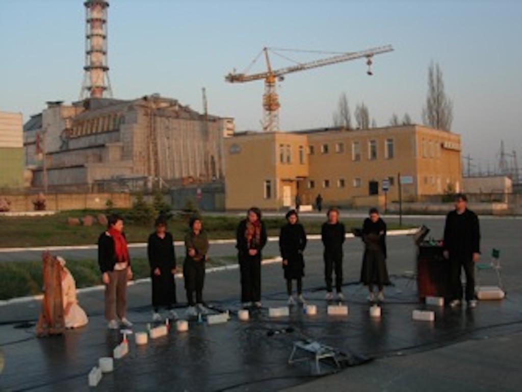 La Diagonale de Tchernobyl le 26 avril 2006 par la compagnie Brut de béton